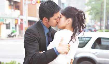 怎么强吻女生 图2